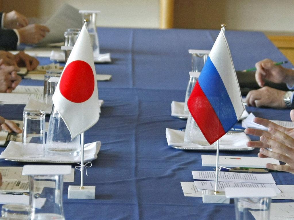 Дворкович и Абэ обсудили российско-японские отношения в сфере экономики