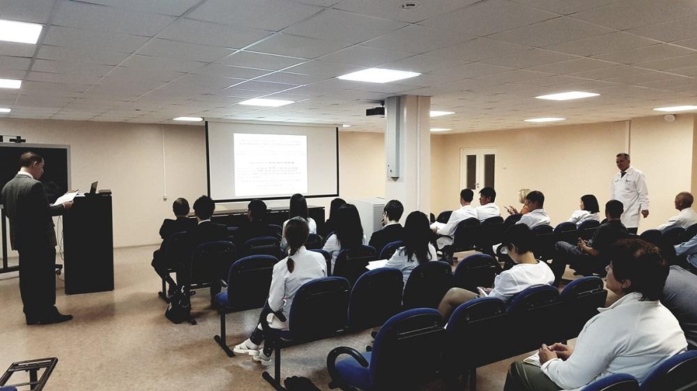 Японские врачи поделились опытом с сахалинскими коллегами