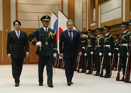 СМИ: министры обороны Японии и России обсудили проблему КНДР