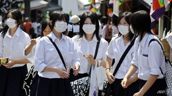 Японка судится со школой, которая заставила ее красить волосы в черный цвет