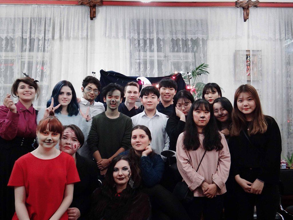 Хэллоуин с иностранными студентами провел Молодежный Совет Хабаровского ССОД