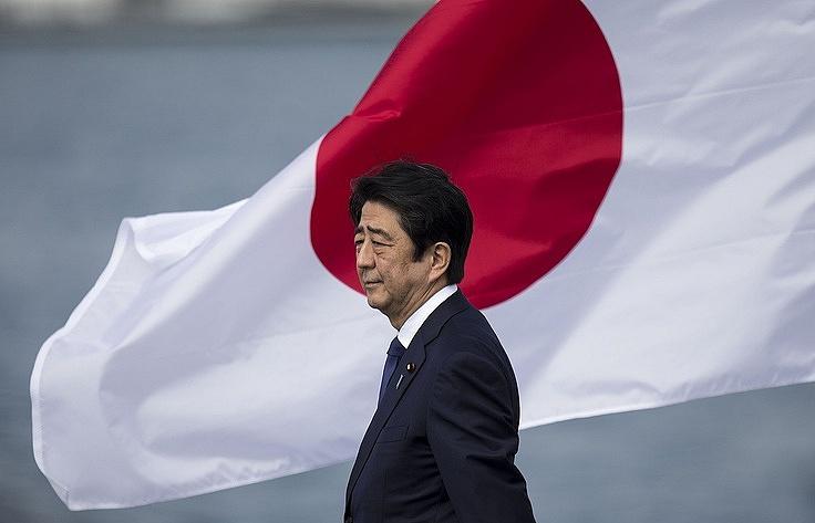 Абэ: оснащение японских истребителей крылатыми ракетами необходимо для защиты населения
