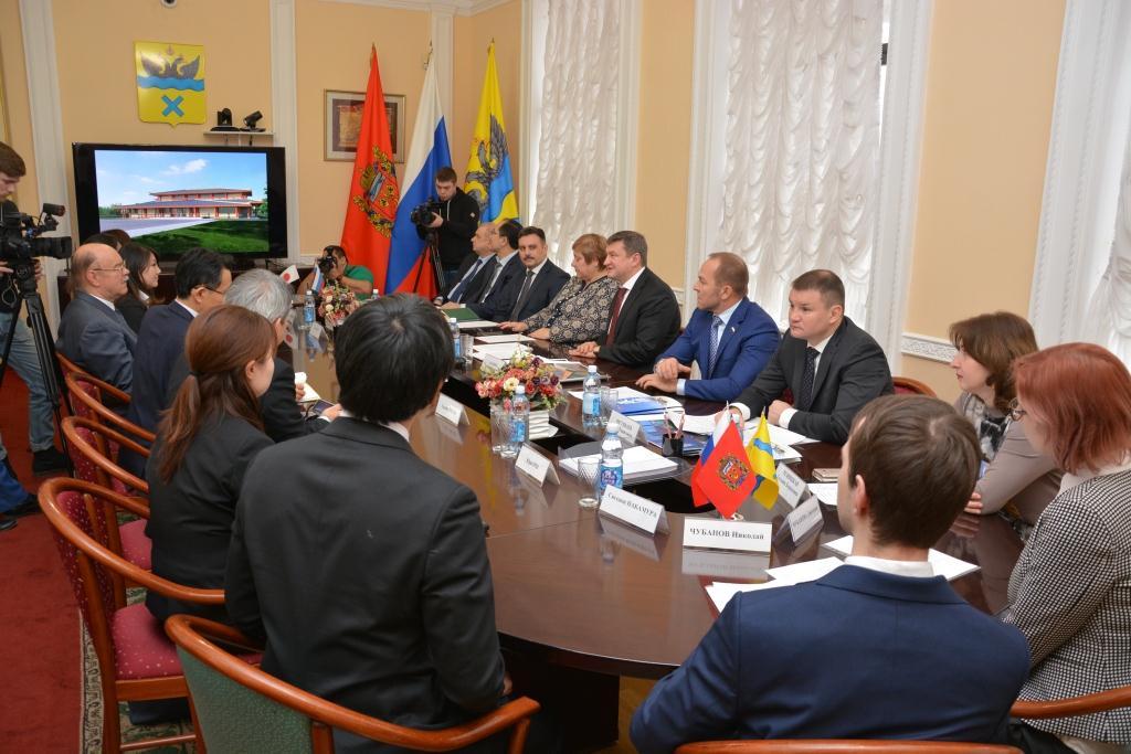 Глава Оренбурга Евгений Арапов встретился с делегацией из Японии