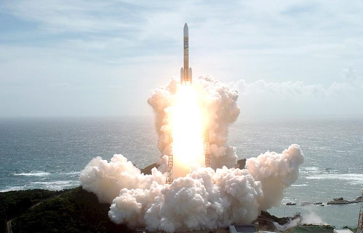 Япония успешно запустила ракету с новейшим разведывательным спутником