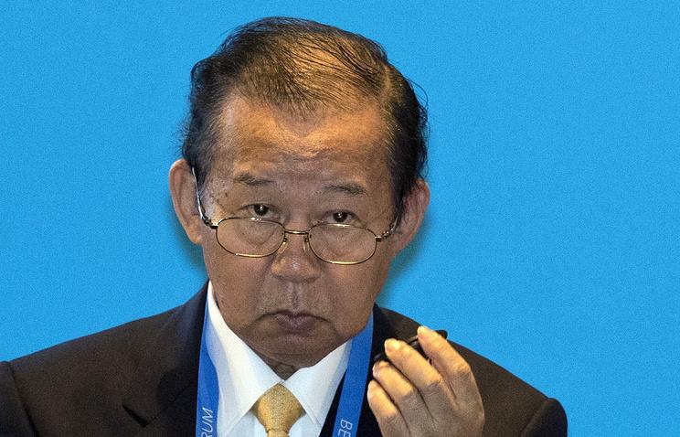Генсек Либерально-демократической партии Японии подарил Матвиенко 237-килограммового тунца