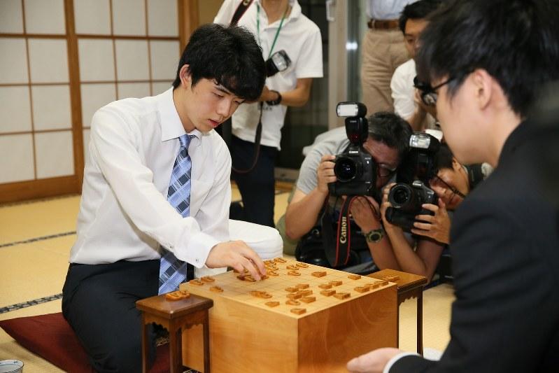 15-летний Сота Фудзии стал самым молодым игроком сёги, удостоенным 7 дана