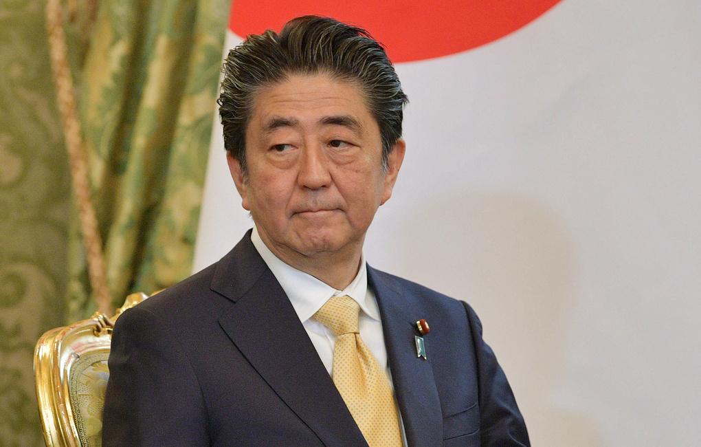 Абэ заявил, что будет стремиться к прогрессу при обсуждении с Путиным проблемы южных Курил