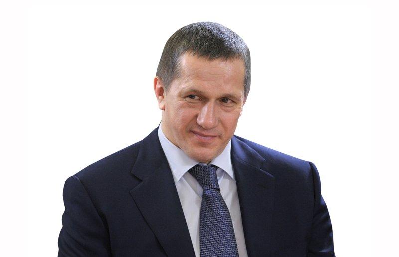 Трутнев заявил, что необходимо активизировать работу по инвестпроектам на Курилах
