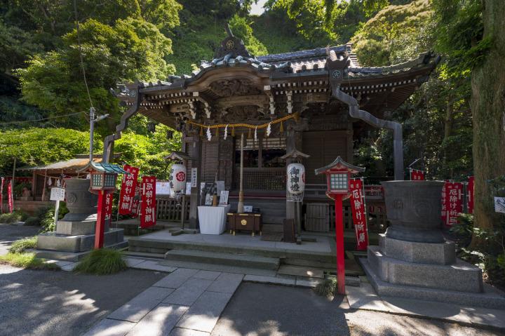 В Камакура прошел ритуал «Юбана-кагура»