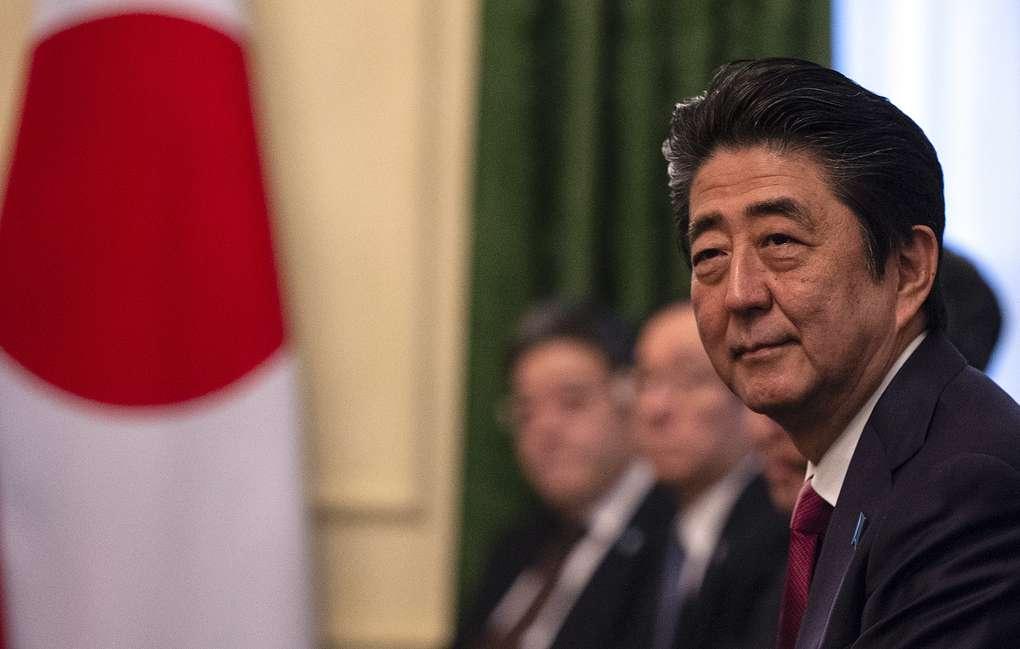 Руководство правящей партии Японии допустило переизбрание Абэ на четвертый срок