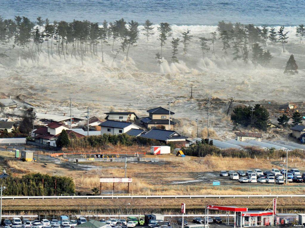 В Японии минутой молчания почтили память жертв землетрясения и цунами 2011 года