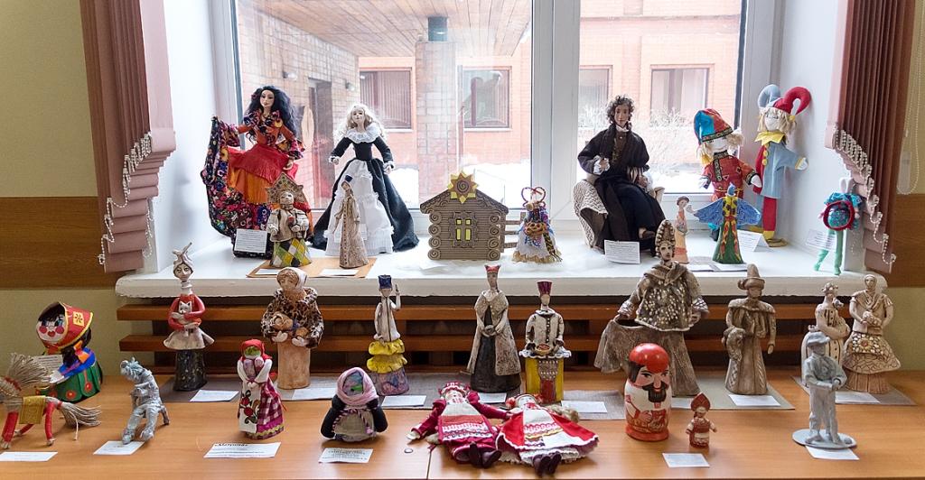Праздник девочек Хинамацури и конкурс на лучшую русскую и японскую куклу