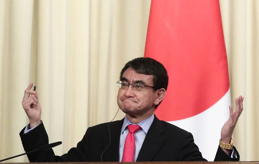 Министр обороны Японии извинился за шутку о причине тайфунов
