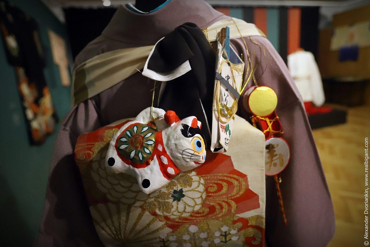 Экскурсия по выставке «Неповторимый мир театра Японии»