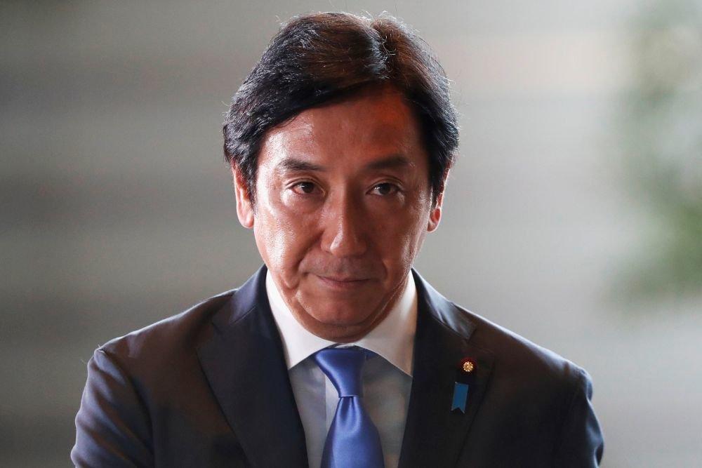 Министр экономики, торговли и промышленности Японии подал в отставку