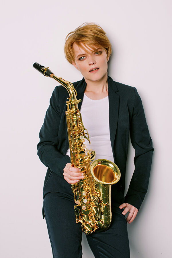 Родившуюся в Крыму российскую саксофонистку не пустили в Японию
