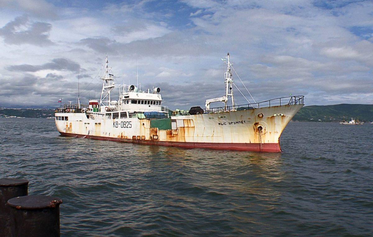Российские власти освободили пять японских судов, задержанных у Курил