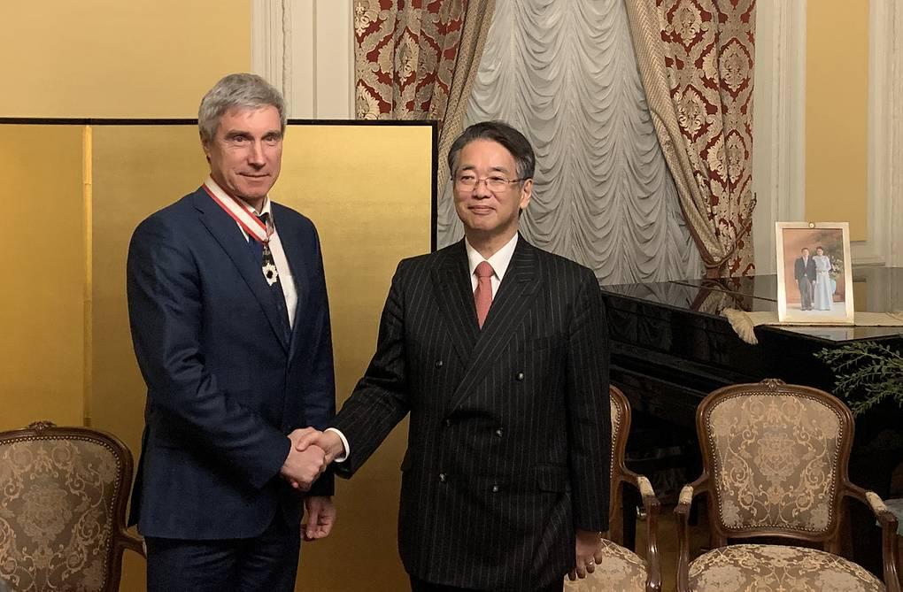 Посол Японии вручил орден Восходящего солнца Сергею Крикалеву